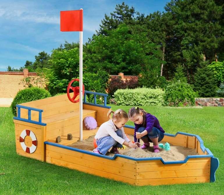 Juskys Sandkasten Piratenschiff aus Holz für 81,71€ inkl. Versand (statt 90€)