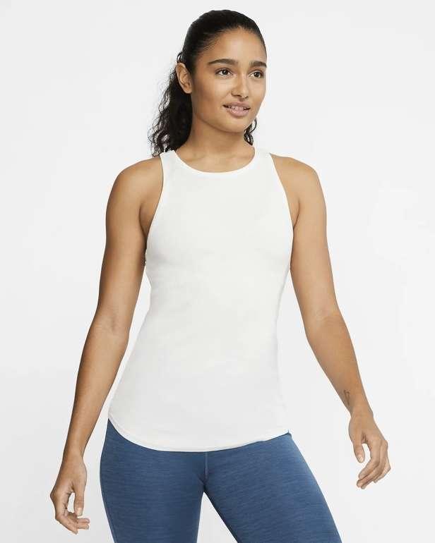 Nike Yoga Luxe Ripp Damen Tanktop für 19,93€ inkl. Versand (statt 30€) - Nike Membership