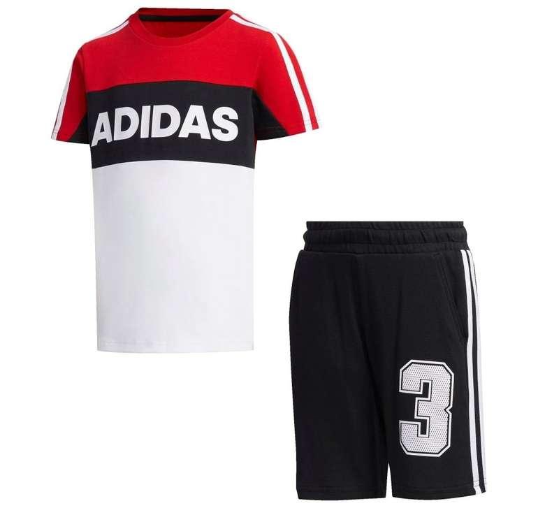 Adidas Athletics Graphic Kinder Trainingsanzug in 2 Farben für je 22,90€ inkl. Versand (statt 30€)