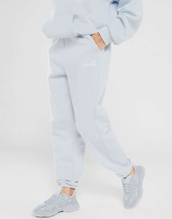Adidas Originals Linear Fleece Damen Jogginghose in Blau für 44€ inkl. Versand (statt 54€)