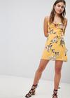 Asos SALE 50% auf 500 Teile für Sie und Ihn: z.B. Sommerkleider ab 12,49€
