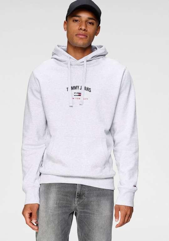 "Tommy Jeans Kapuzensweatshirt ""TJM Timeless Tommy Hoodie 1"" für 62,94€ inkl. Versand (statt 92€) - Otto App!"