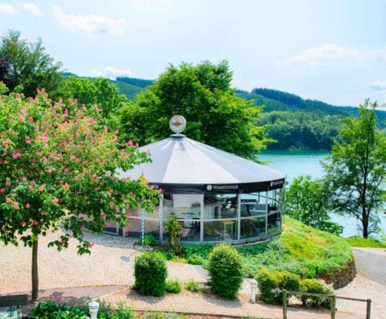 Travelcircus: 4*S Welcome Hotel Meschede im Sauerland (DZ, Frühstück + 1x Dinner, Bootstour) ab 99€ pro Person