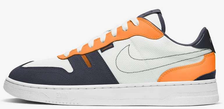 Nike Squash-Type Herren Sneaker in Orange für 53,97€ inkl. Versand (statt 73€)