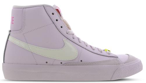 Nike Blazer Mid '77 Damen Sneaker in Weiß/Gelb/Pink für 49,99€inkl. Versand (statt 81€)