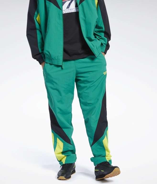 Reebok Herren Classics Twin Vector Track Pants in 2 Farben für je 26,91€ inkl. Versand (statt 48€)