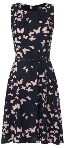 Peek & Cloppenburg* 20% Rabatt (auch auf Sale) - z.B. Montego Kleid mit Schmetterlingsmuster für 31,99€ (statt 40€)