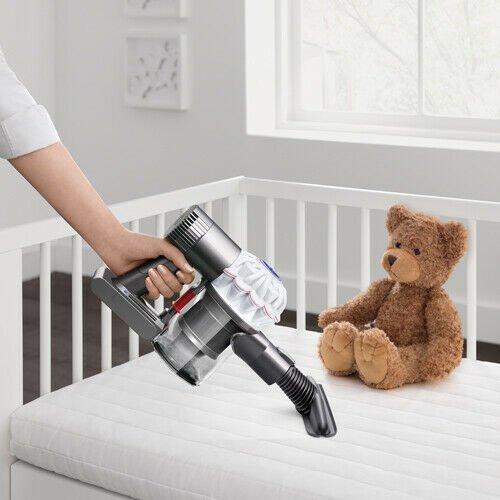 Dyson V6 Baby + Child Akku-Handstaubsauger für 129€ inkl. Versand
