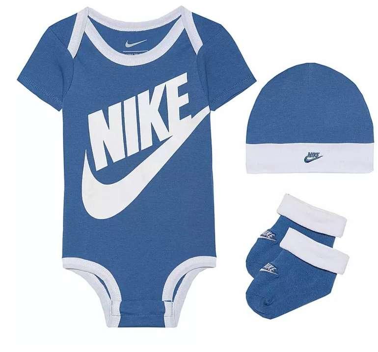 3-tlg. Nike Futura Baby Strampler Set (Mütze, Body und Socken) für 15,81€ inkl. Versand (statt 24€)