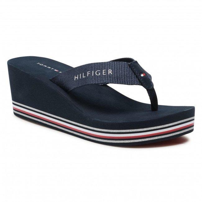"""Tommy Hilfiger Zehentrenner """"Stripes Wedge Beach Sandal"""" für 34,95€ inkl. Versand (statt 43€)"""