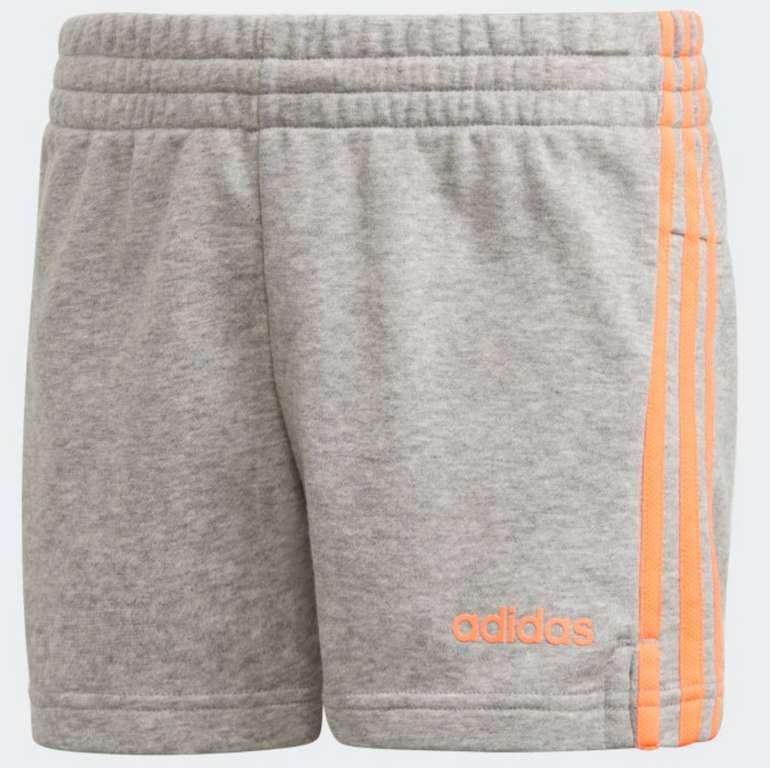 adidas Essentials 3 Stripe Mädchen Shorts in Grau für 11,70€ inkl. Versand (statt 20€) - Creators Club!