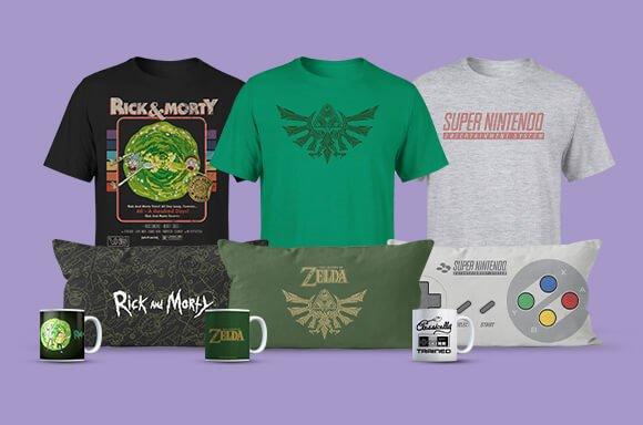 Zavvi: Fan Merch im Bundle (Kissen, T-Shirt & Tasse) für 24,48€ inkl. Versand