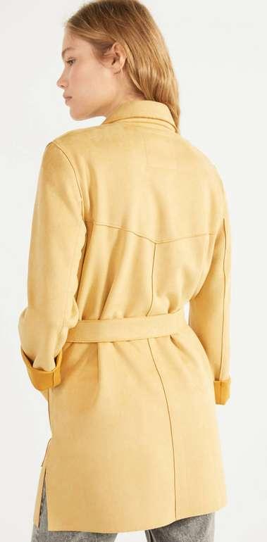Trenchcoat aus Wildlederimitat mit Gürtel in beige für 21,59€ inkl. Versand (statt 36€)