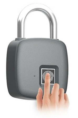 Fingerprint Vorhängeschloss O6H3 für 19,98€ inkl. VSK