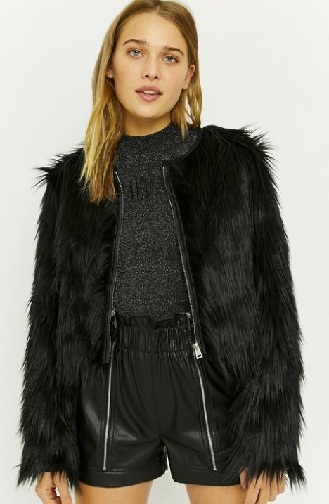 Tally Weijl Jacke aus Kunstfell in schwarz für 33,99€ inkl. Versand (statt 64€)