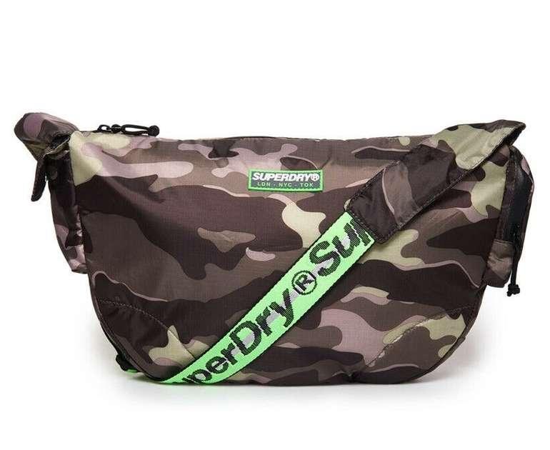 Superdry Herren Messenger Tasche 'Damon' für 11,20€ inkl. Versand (statt 28€)