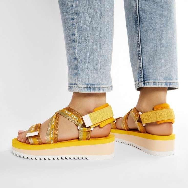 Tommy Jeans Lurex Webbing Sandalen in 3 Farben für je 50,35€ inkl. Versand (statt 56€)