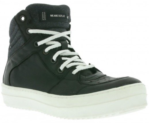 Replay Schuhe und Bekleidung ab 57,99€ inkl. Versand bei Outlet46