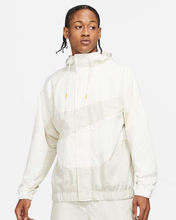 Nike Sportswear Swoosh Herrenjacke mit Futter für 54,78€ inkl. Versand (statt 100€) - Membership!