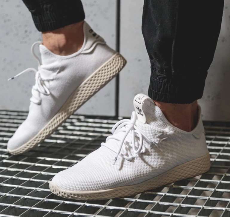 Adidas Originals Pharell Williams PW Tennis Herren Sneaker in weiß für 59,99€ (statt 68€)