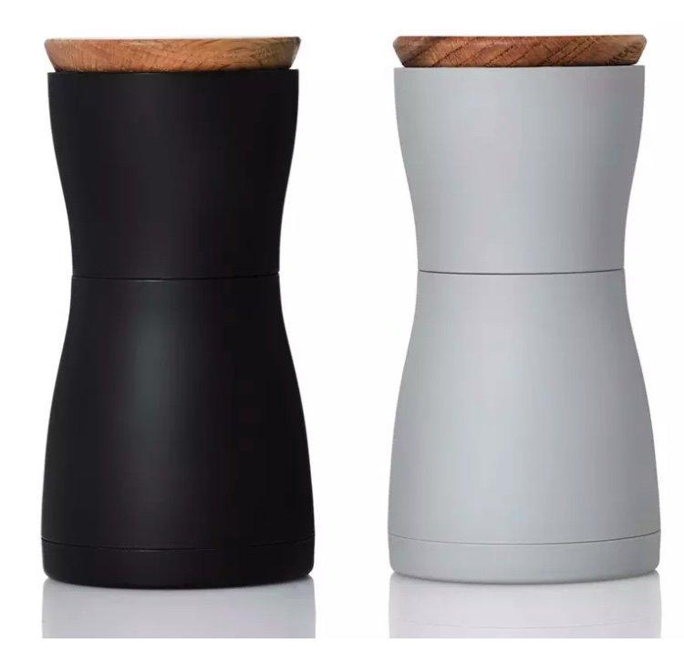 AdHoc Pfeffer- und Salzmühlenset mit Keramikmahlwerk für 27,48€ (statt 38€) - Newsletter Gutschein!