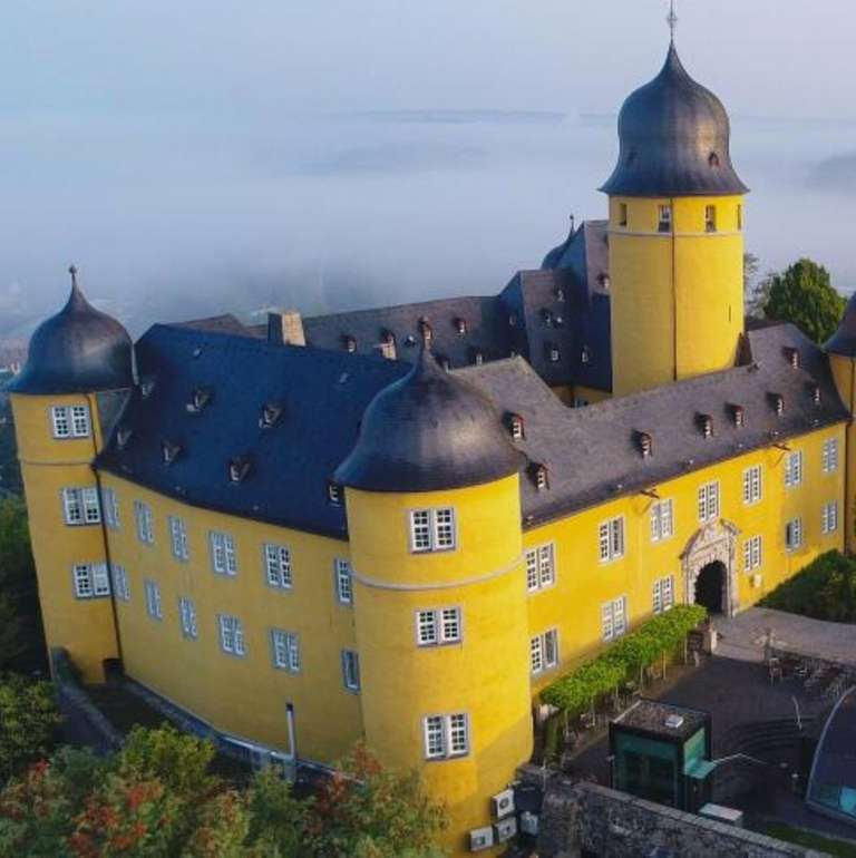 3 Tage im 4* Schloss Montabaur mit Halbpension, Wellness & Extras ab 139€ pro Person