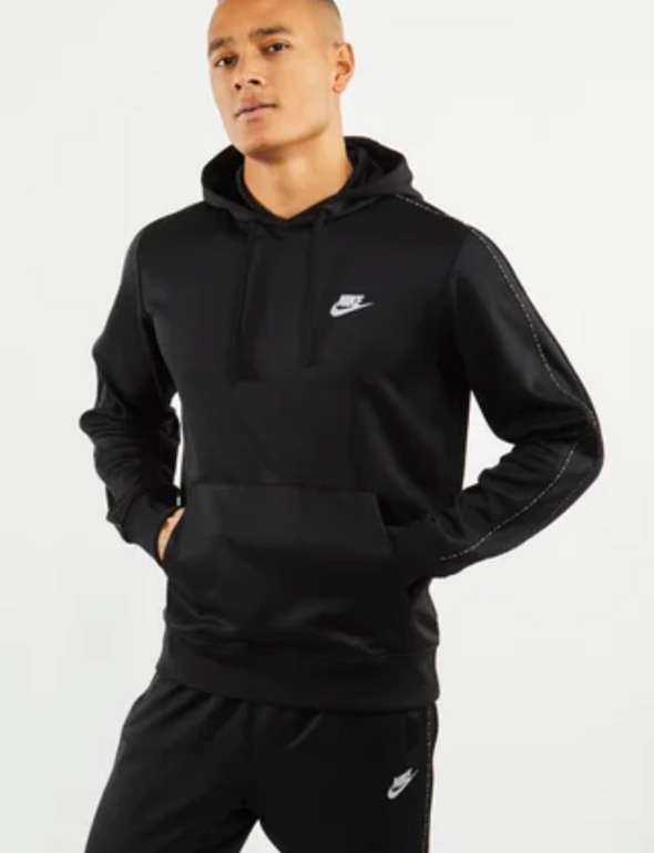 Nike Repeat Poly Over The Head Herren Hoodie in schwarz für 29,99€ inkl. Versand (statt 50€)