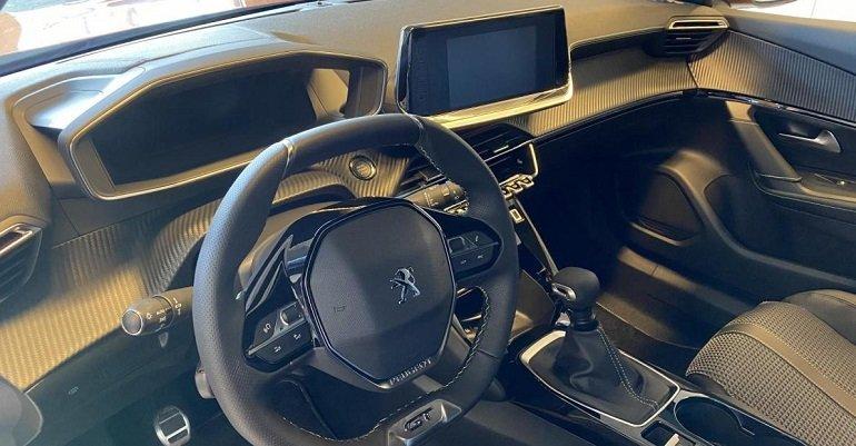 Peugeot 2008 GT-Line PureTech 130 Leasing 3