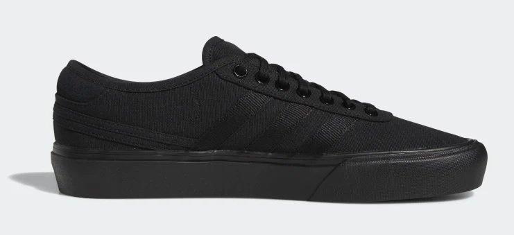 Adidas Delpala Herren Schuh in Schwarz für 28,60€ inkl. Versand (statt 44€)