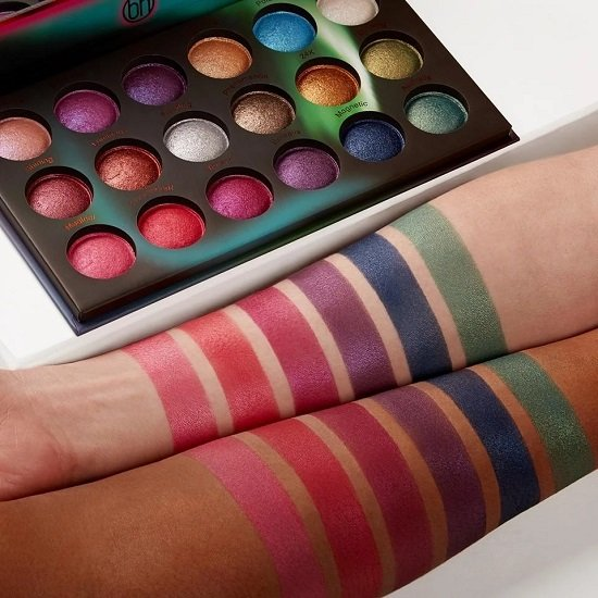 BH-Cosmetics: 35% Rabatt auf ausgewählte Produkte, z.B. Aurora Lights 18 Farben Baked Lidschatten Palette für 13€