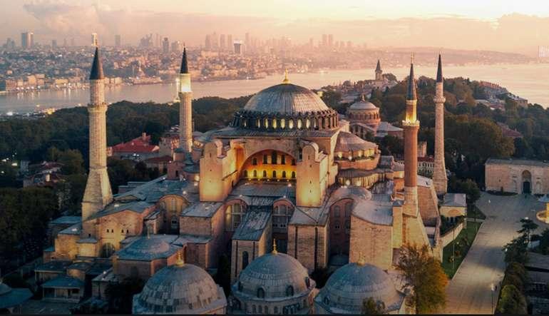 Bis zum 25. September buchbar: 1€ (+Steuern) Flüge von in die Türkei (Reisezeitraum 01.11.2020 - 27.03.2021)