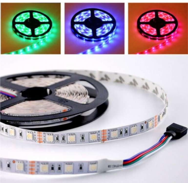 25m LED RGB Stripes + Netzteil und Controller (60 LEDs/m, Alexa und Google Home kompatibel) für 36,84€
