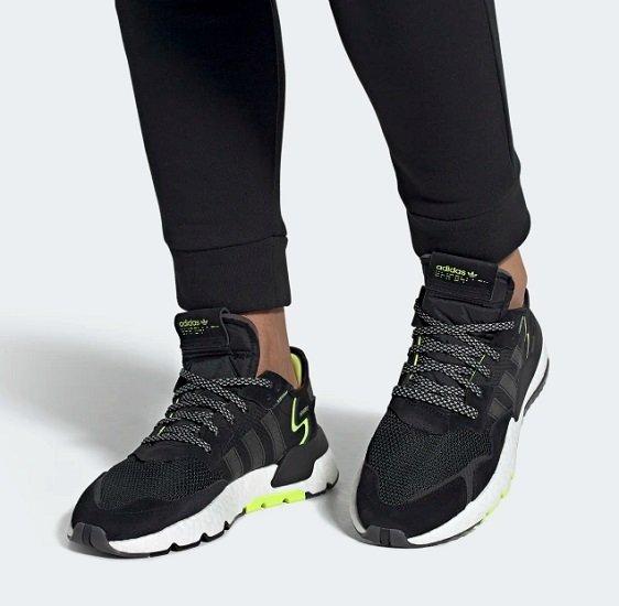 Adidas NITE JOGGER Core Black / Core Black / Solar Yellow für 50,67€ (statt 70€)