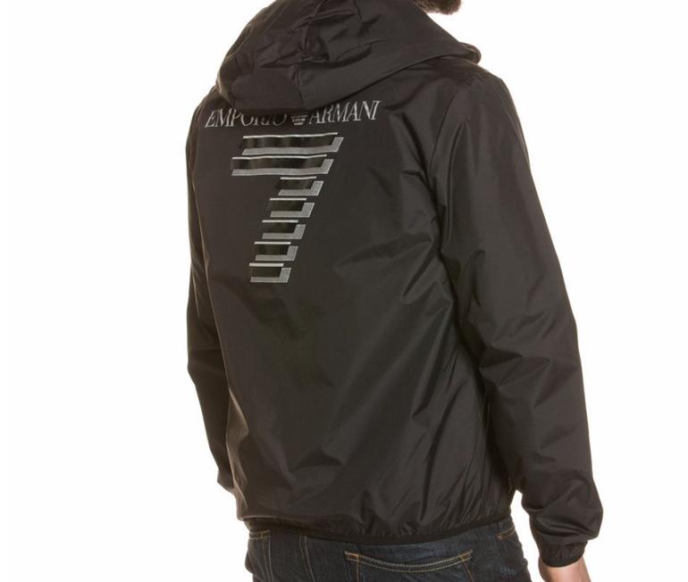 Emporio Armani Ea7 Herren Jacke (wattiert) für 92,35€ inkl. Versand (statt 138€)