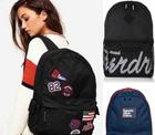 Superdry Taschen (verschiedene Modelle und Farben) für je 21,95€