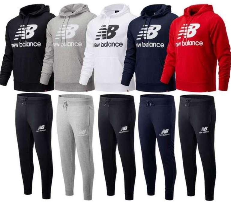 New Balance Essentials Stacked Logo Trainingsanzug für 59,90€ inkl. Versand (statt 79€)
