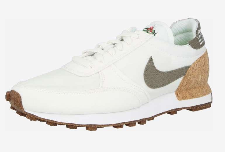 Nike Sportswear Daybreak Type für 47,94€ inkl. Versand (statt 70€)