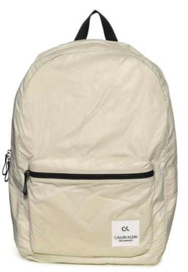 Calvin Klein Zip Backpack beige oder schwarz für 29,90€inkl. Versand (statt 41€)