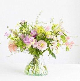 4 Blumenlieferungen (45cm/65cm/90cm) + Vase ab 65€ (statt 115,8€)