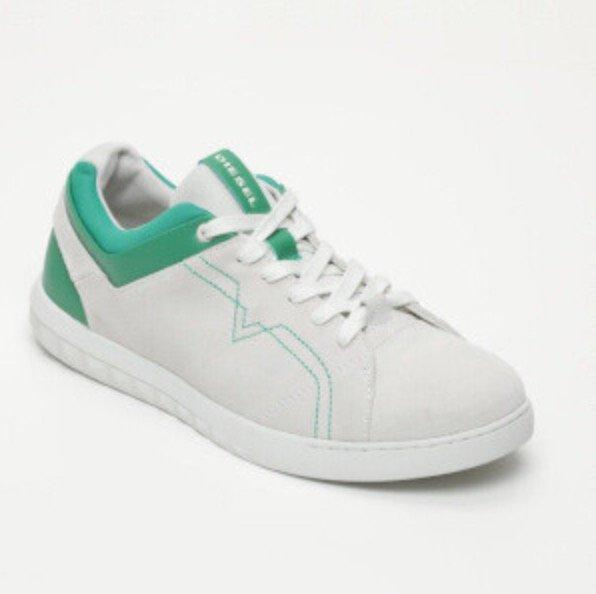 Diesel Sale für Sie & Ihn mit bis zu 65% Rabatt - z.B. S-Studdzy Lace Sneaker für 39,99€