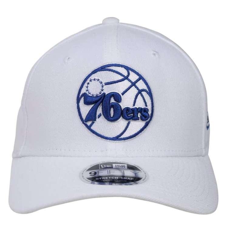 New Era  'WHITE BASE STRETCH SNAP 9FIFTY' Cap in blau / weiß für 8,37€ inkl. Versand (statt 20€)