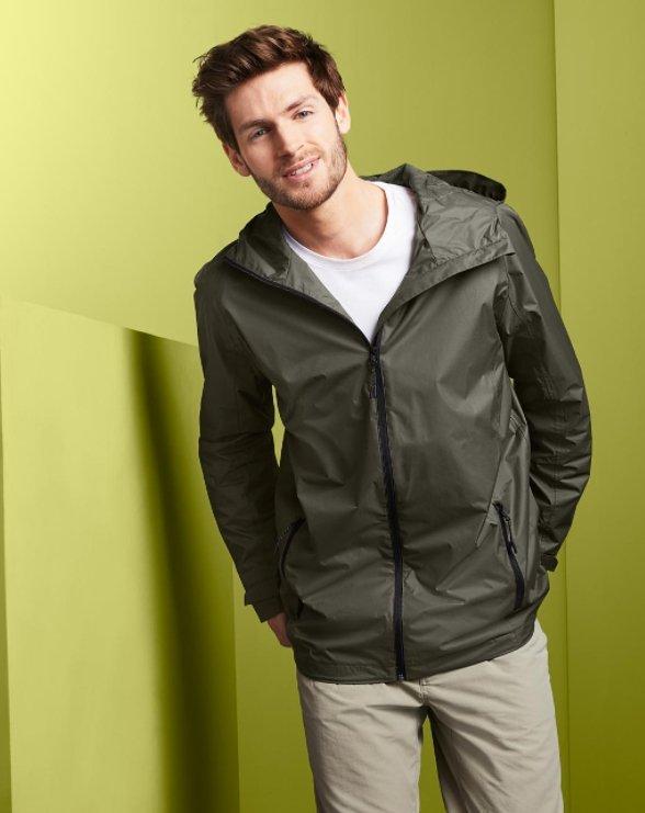 Tchibo Flash Sale mit bis zu -70% Rabatt - z.B. Herren Packable-Lightweight Regenjacke für 15,95€