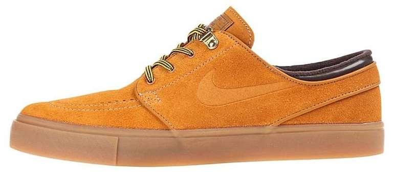 Nike SB Zoom Janoski Premium Wildleder-Sneaker für 68,36€ (statt 75€)