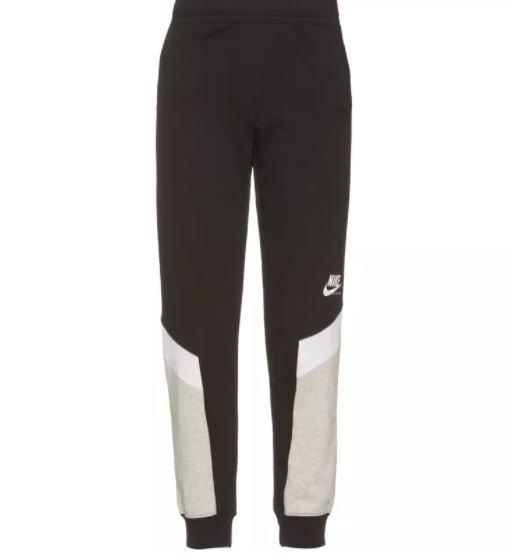 Nike Nsw Heritage Sweathose in schwarz oder lila für 33,51€ inkl. Versand (statt 41€)