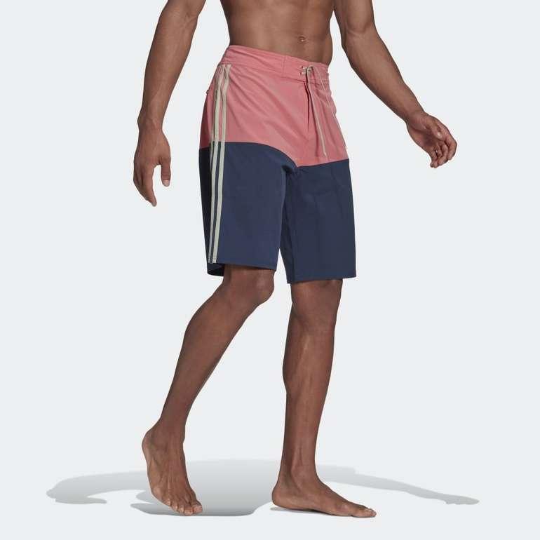 Adidas Knee-Length Colorblock Boardshorts für 24€ inkl. Versand (statt 38€) - Creators Club