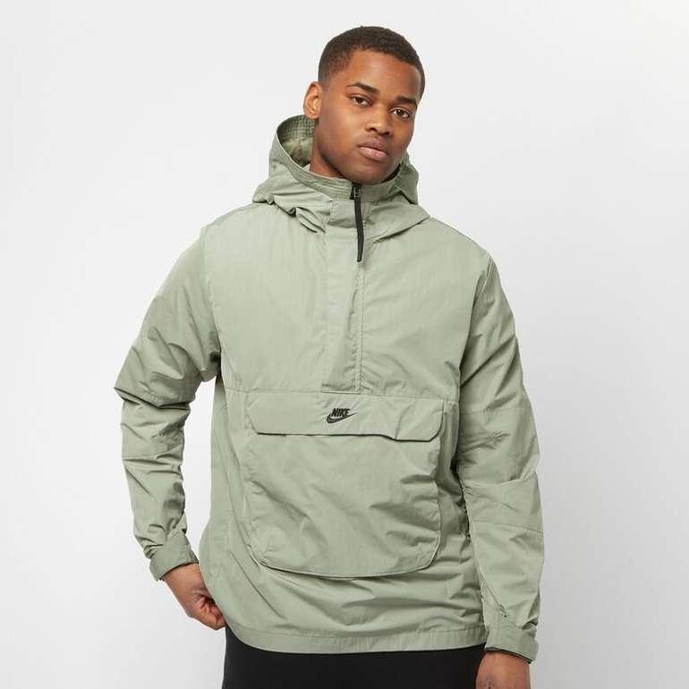 Nike Sportswear Men's Hooded Anorak für 84€ inkl. Versand (statt 163€)