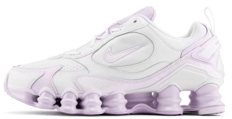 "Nike Shox TL Nova Damen Sneaker im ""White/Barely Grape""-Colourway für 79,99€ inkl. Versand (statt 112€)"