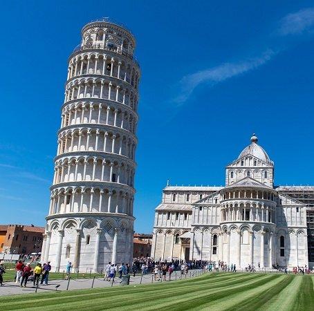 Hin- und Rückflug von Nürnberg nach Pisa für 2 Personen für 20€