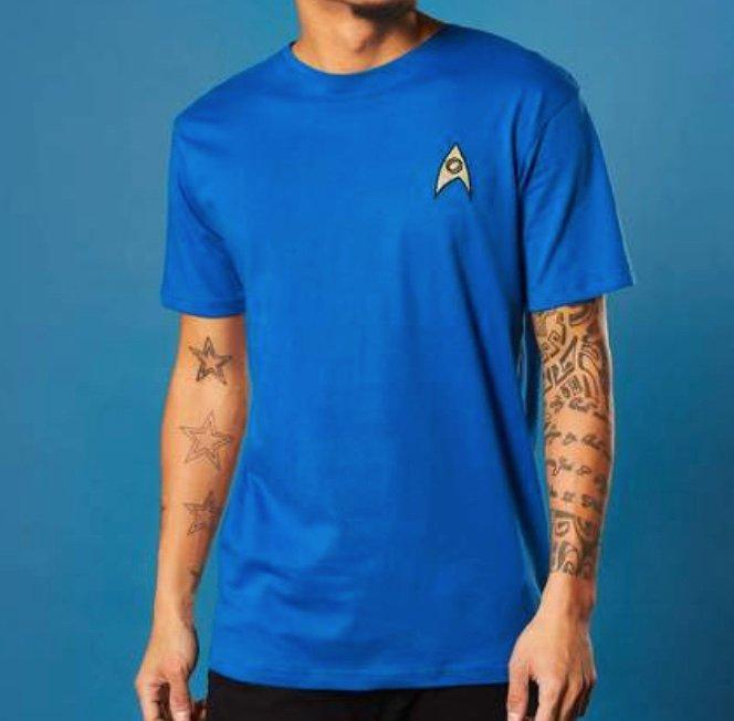 Zavvi: 30% Rabatt auf Star Trek Kleidung - z.B. EmbroideRot Science Badge Shirt für 14,88€ inkl. Versand (statt 20€)