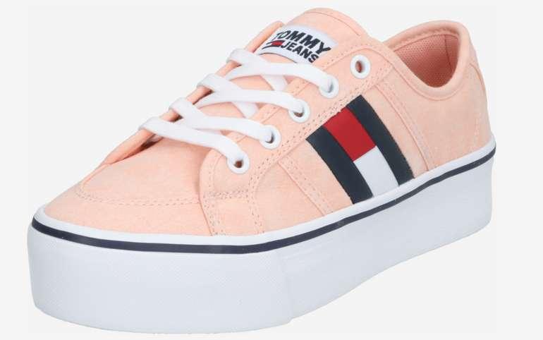 """Tommy Jeans Sneaker """"Flatform Flag"""" in rosa / weiß für 34,90€inkl. Versand (statt 54€)"""